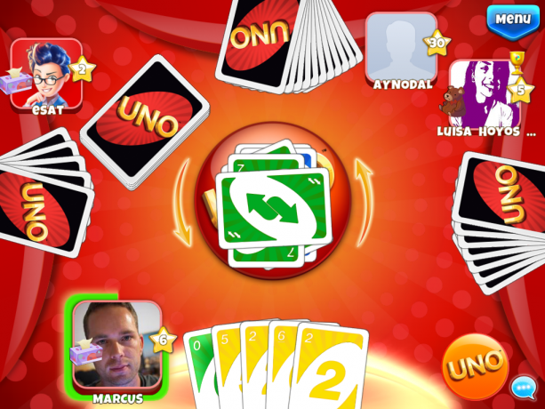 Uno & Friends - I spelet